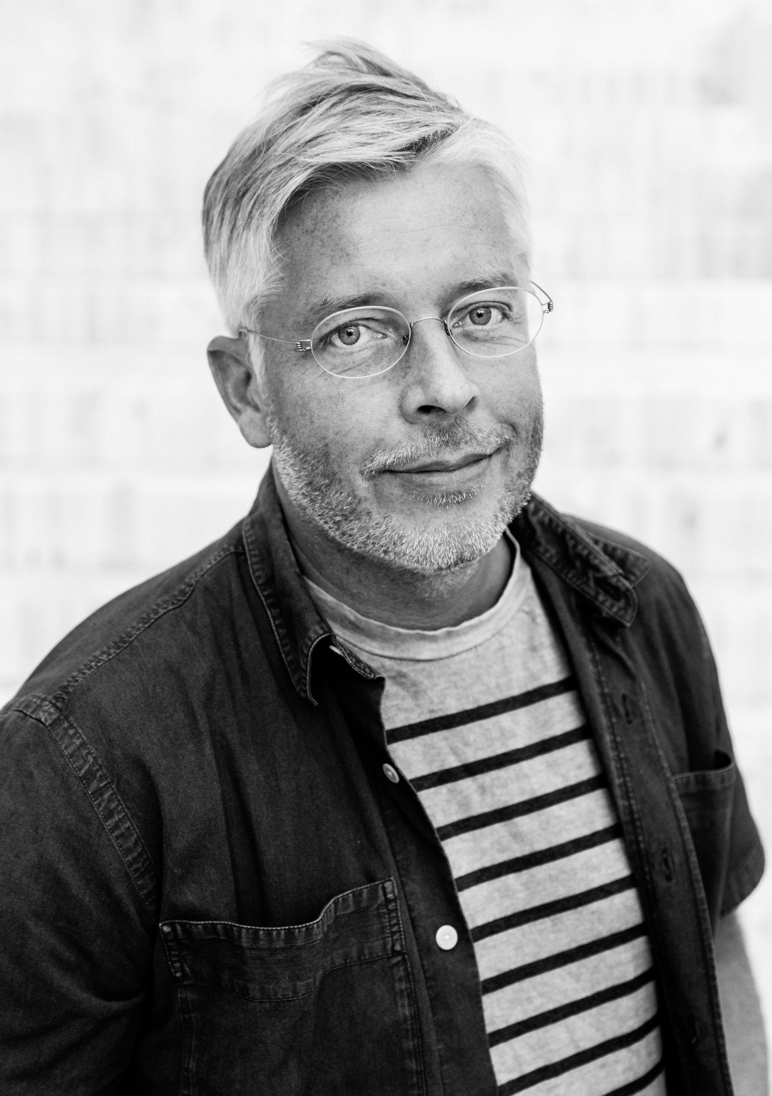 專著日常工作服就拍照的 IKEA 首席設計師 Marcus Engman